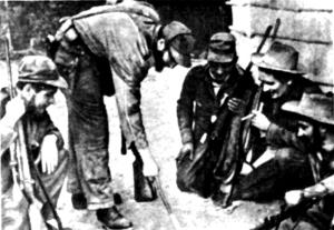 Ф. Кастро вместе с боевыми соратниками разрабатывает план предстоящей операции против войск Р.Ф. Батисты, Сьерра-Маэстра. 1957