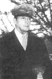 генерал Дуглас Макартур, главнокомандующий вооруженными силами США на Дальнем Востоке